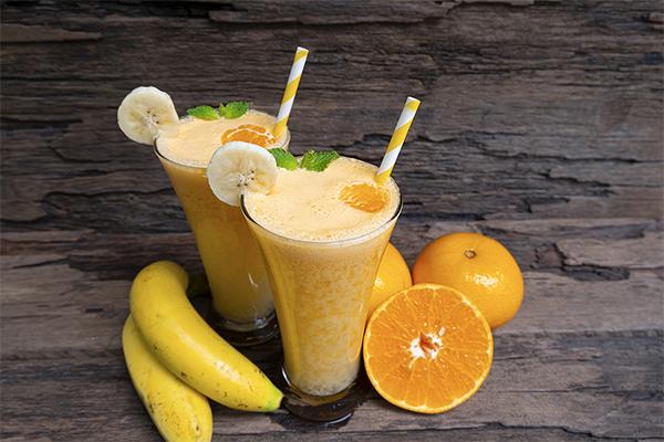 Orange and banana smoothie